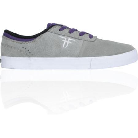Zumiez Skateboards For Sale http://pellemodashoesx.blogspot.com/2012/10/sale-osiris-blackpurple-white-skate.html