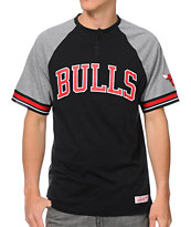 NBA Mitchell and Ness Chicago Bulls Travel Black & Grey Henley Tee Shirt