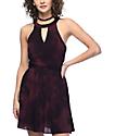 Empyre Toki vestido con efecto tie dye en color vino