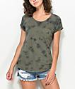 Zine Adriana camiseta con bolsillo con efecto tie dye en verde olivo