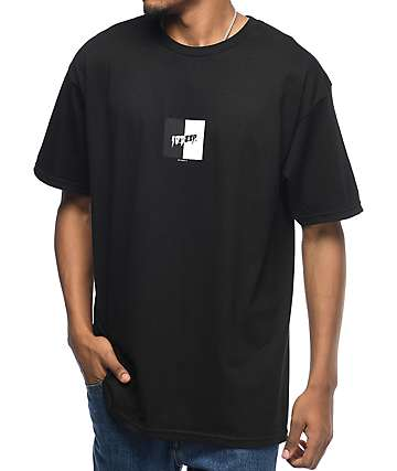 10 Deep Split Black & White T-Shirt
