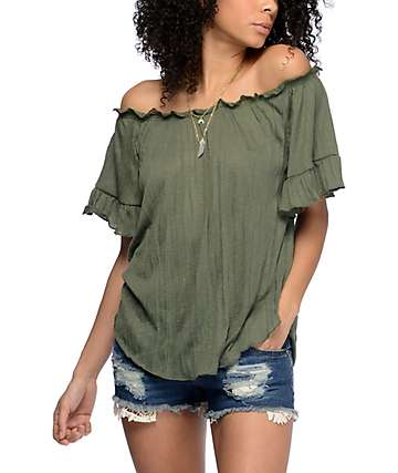 Almost Famous Sloan top con cuello bardot color verde olivo