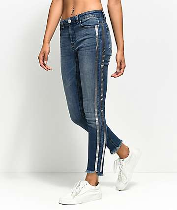 Almost Famous Tarah skinny jeans azules con rayas metálicas