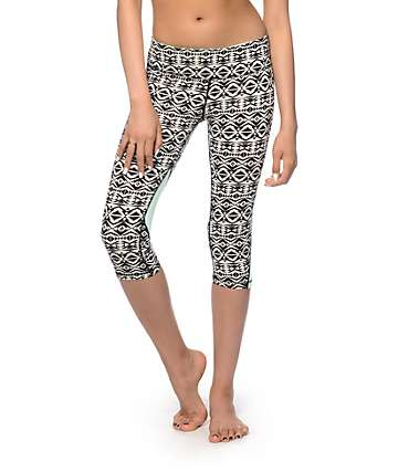 Aperture Elton Tribal Capri Pants