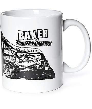 Baker x Trailer Park Boys taza blanca
