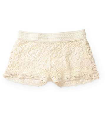 Breeze Ever Cream Crochet Shorts