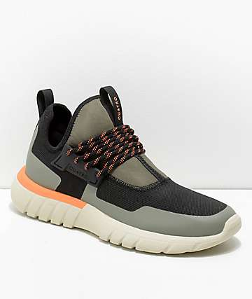 CU4TRO Aero zapatos en negro y verde militar