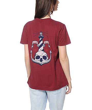 Dark Seas Skull Island Pocket T-Shirt