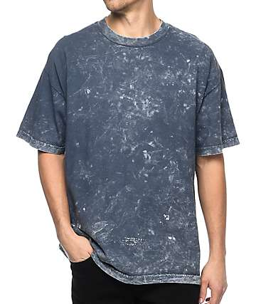 EPTM. Camiseta negra con lavado mineral