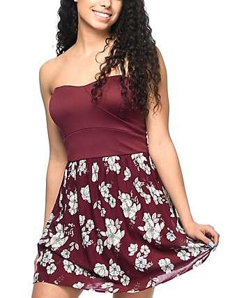 Empyre Gina vestido floral sin tirantes en color vino