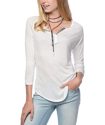 Empyre Morris camiseta henley en blanco