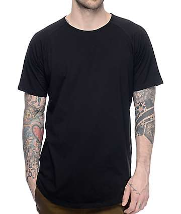 Fairplay 04 Scallop Side Split Black Elongated T-Shirt