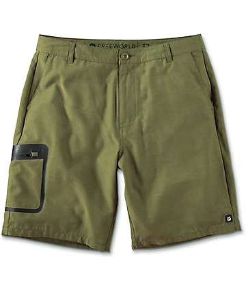 Free World Barrel shorts híbridos en color verde olivo