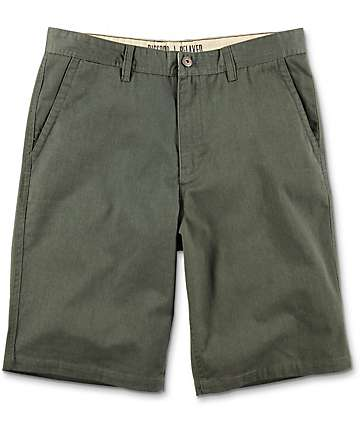 Free World Discord shorts chinos en verde olivo