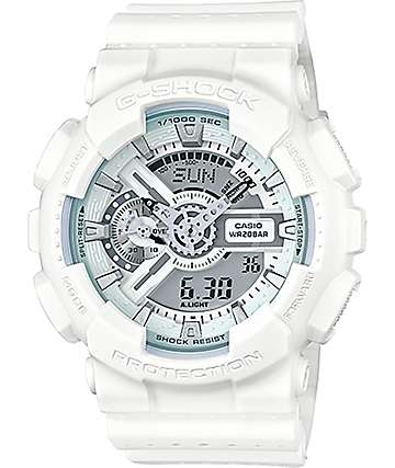 G-Shock GA-110LPA-7A Military reloj perforado en blanco