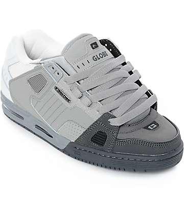 Globe Sabre zapatos de skate en gris, blanco y color carbón