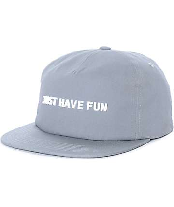 Just Have Fun All Is One gorra strapback en gris