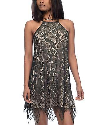 Love, Fire Olive vestido de encaje con cuello alto