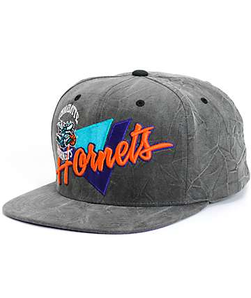 NBA Mitchell and Ness Crease Triangle Hornets Snapback Hat