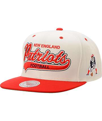 NFL Mitchell & Ness New England Patriots Tailsweeper Snapback