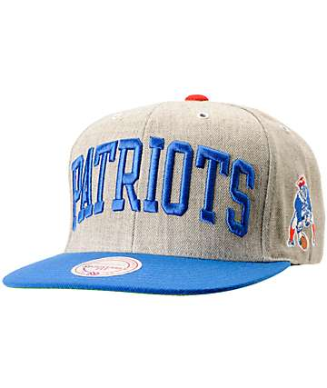 NFL Mitchell and Ness Patriots Arch 2-Tone Heather Grey Snapback Hat