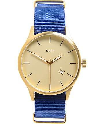 Neff Esteban reloj analógico