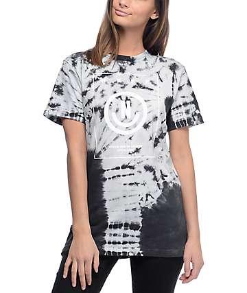 Neff Vicky camiseta con efecto tie dye en blanco y negro