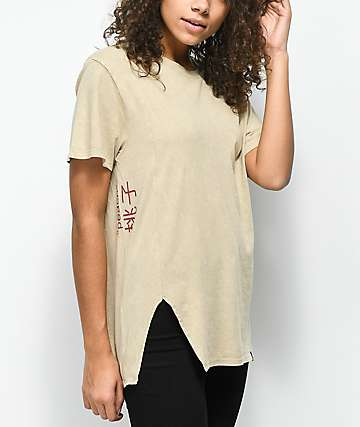 Ninth Hall Peach Fawn Chinchilla Crystal Wash T-Shirt
