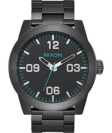 Nixon Corporal SS reloj analógico en negro y azul