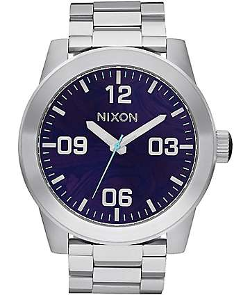 Nixon Corporal SS reloj analógico en plata y purpura