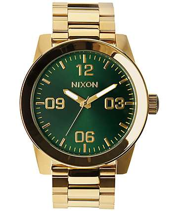 Nixon Corporal SS reloj analógico en verde y color oro