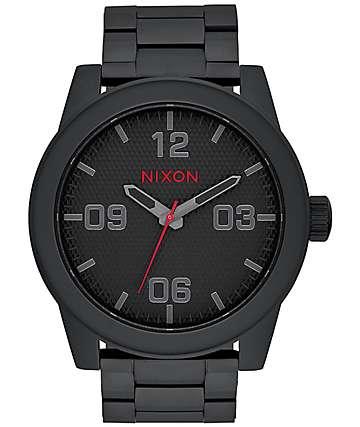 Nixon Corporal reloj analógico en negro