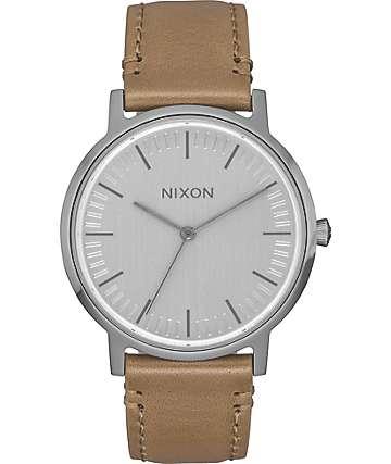 Nixon Porter 35 Leather reloj en colores plata y gris pardo