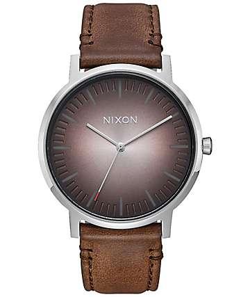 Nixon Porter Leather Ombre reloj analógico en gris pardo