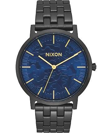 Nixon Porter reloj analógico en negro y azul camuflado