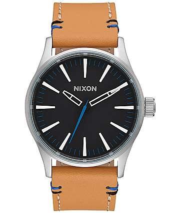 Nixon Sentry 38 Leather reloj en negro y natural