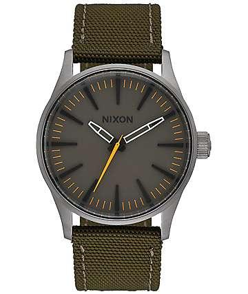 Nixon Sentry 38 Nylon en marrón y verde oscuro