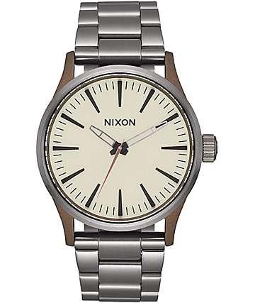 Nixon Sentry 38 SS reloj en colores latón y plomo