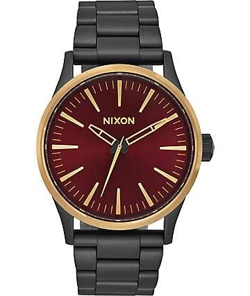 Nixon Sentry 38 SS reloj en negro, dorado y color vino