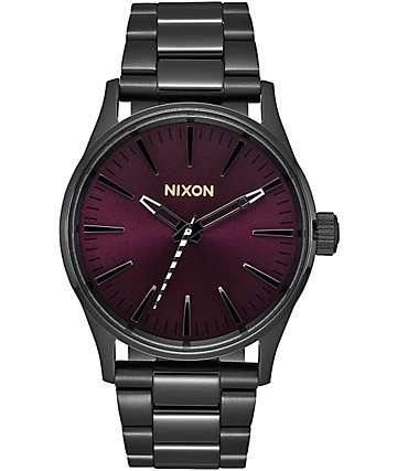 Nixon Sentry 38 reloj analógico en negro y morado