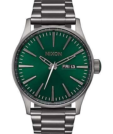 Nixon Sentry SS reloj analógico en gris y verde
