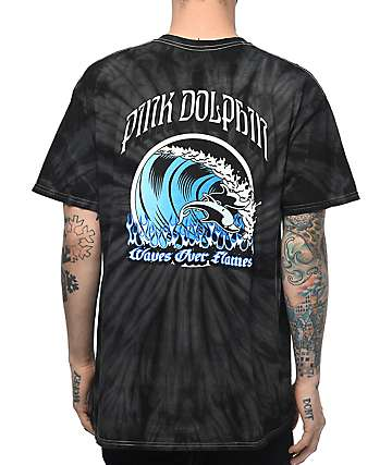 Pink Dolphin Waves Over Flames camiseta con efecto tie dye