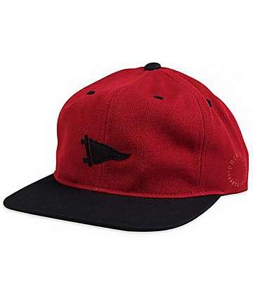 Primitive Felt Pennant gorra snapback en rojo y negro
