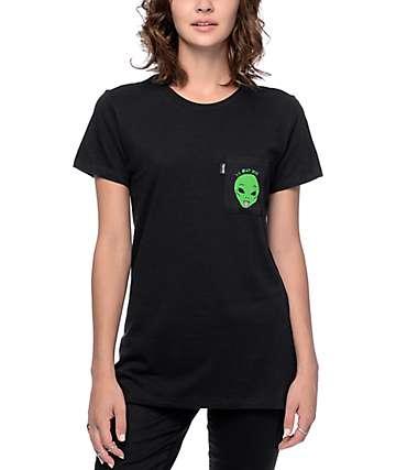RipNDip We Out Here camiseta negra con bolsillo