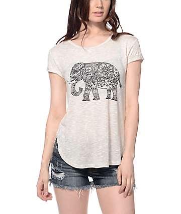 Trillium Elephant Fin Tail Hem T-shirt