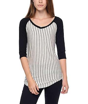 Trillium Jani camiseta de béisbol rayado negro escote en V