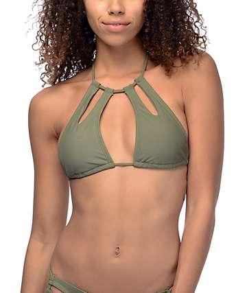 Trillium Keyhole top de bikini con cuello alto cabestro en color olivo