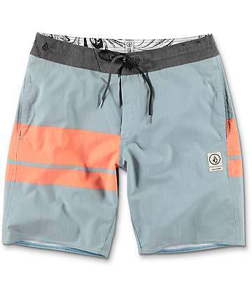 "Volcom 3 Quarta Slinger 19"" board shorts en azul y color naranja"