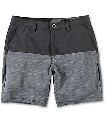 Volcom Surf N Turf shorts híbridos en gris y color carbón