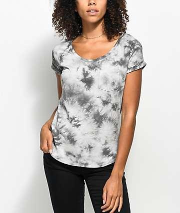 Zine Adriana camiseta gris con efecto tie dye y bolsillo